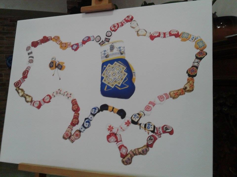 Внницький художник зібрав найбільшу колекцію вишитих боксерських міні-рукавичок - фото 2
