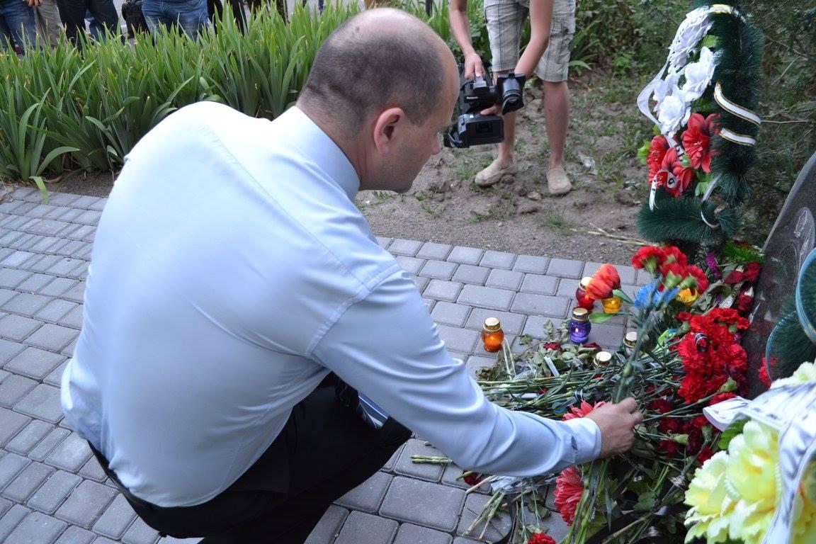 У Миколаєві вшанували пам'ять загиблих під Зеленопіллям  - фото 1