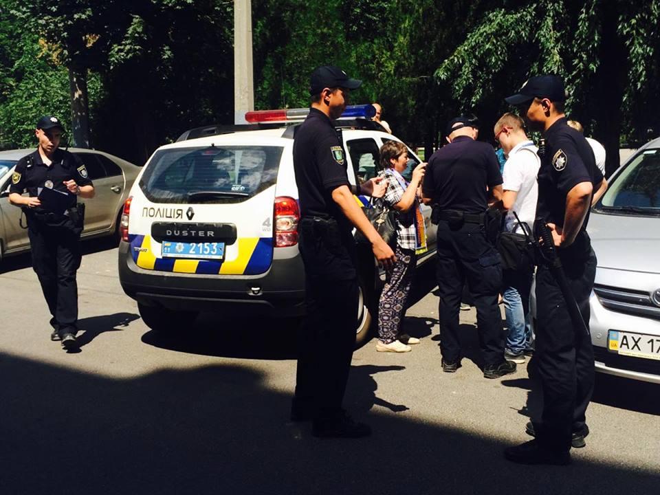 Харківські журналісти звинувачують правоохоронців у перешкоджанні професійній діяльності - фото 3