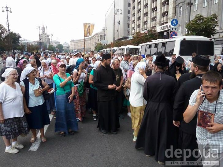 Як у Києві проходить Хресна хода (ФОТОРЕПОРТАЖ) - фото 2