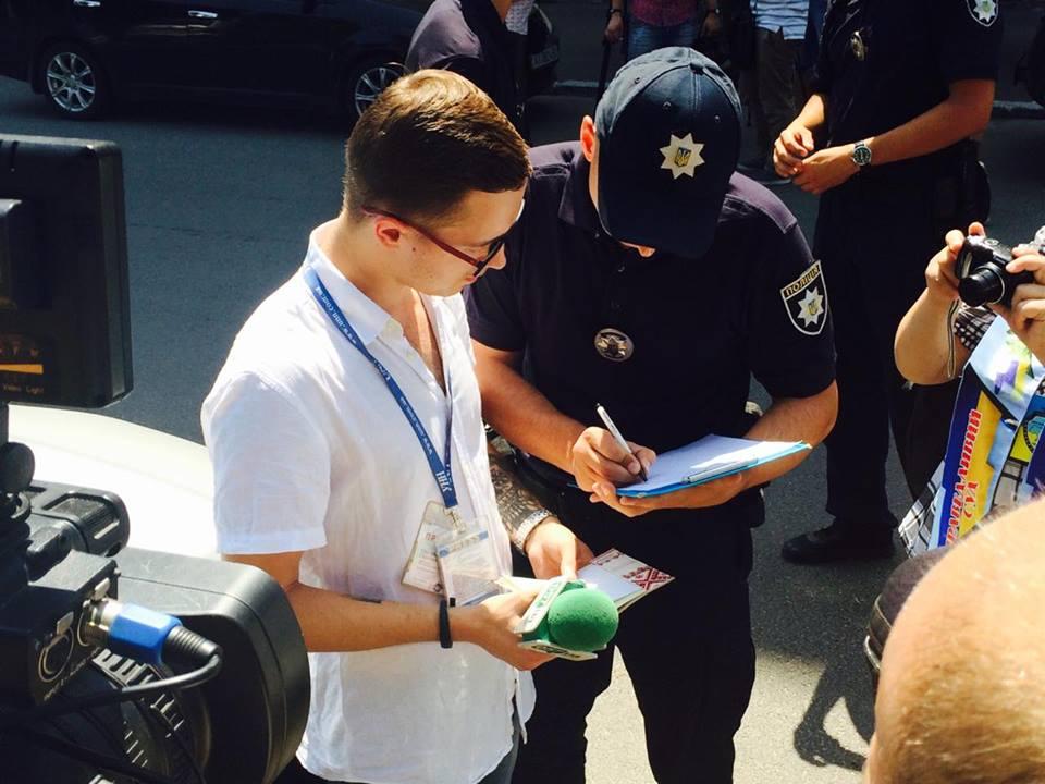 Харківські журналісти звинувачують правоохоронців у перешкоджанні професійній діяльності - фото 2