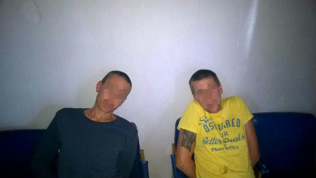На Салтівці за підозрою у крадіжці з автомобіля затримали групу зловмисників - фото 1