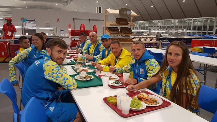 Як українські олімпійці живуть у Ріо - фото 7