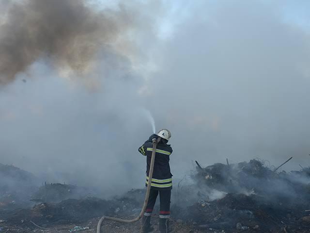 На Миколаївщині знов палало стихійне сміттєзвалище - фото 3