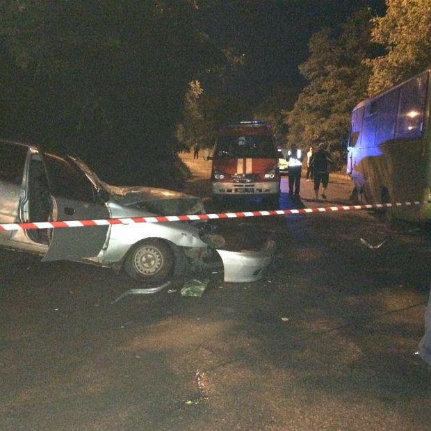 У Харкові маршрутка потрапила в ДТП: загинули дві людини - фото 3
