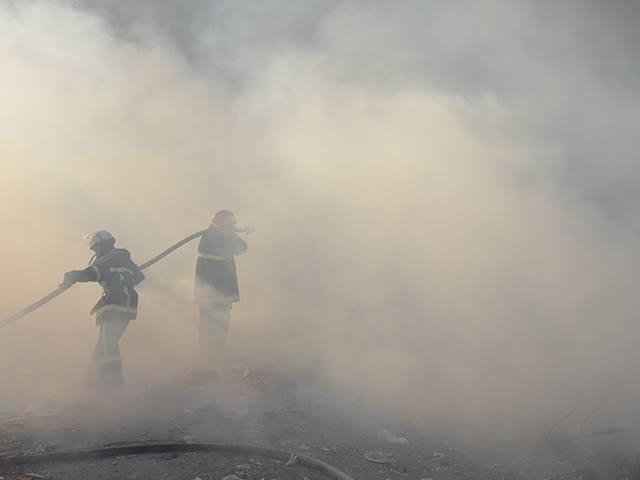 На Миколаївщині знов палало стихійне сміттєзвалище - фото 2