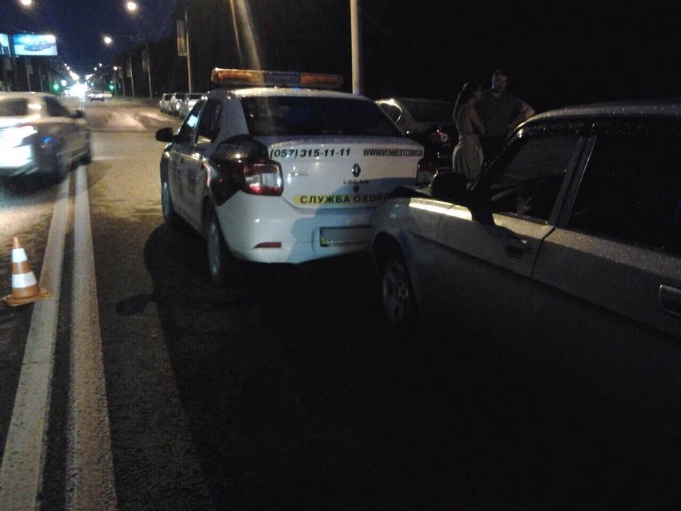 На Білгородському шосе водій влаштував аварію за принципом доміно  - фото 2