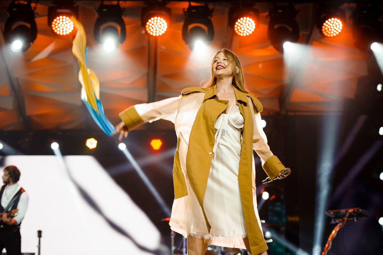 Нічні сорочки та піжами: ТОП-6 модних look'ів Тіни Кароль у Юрмалі - фото 4