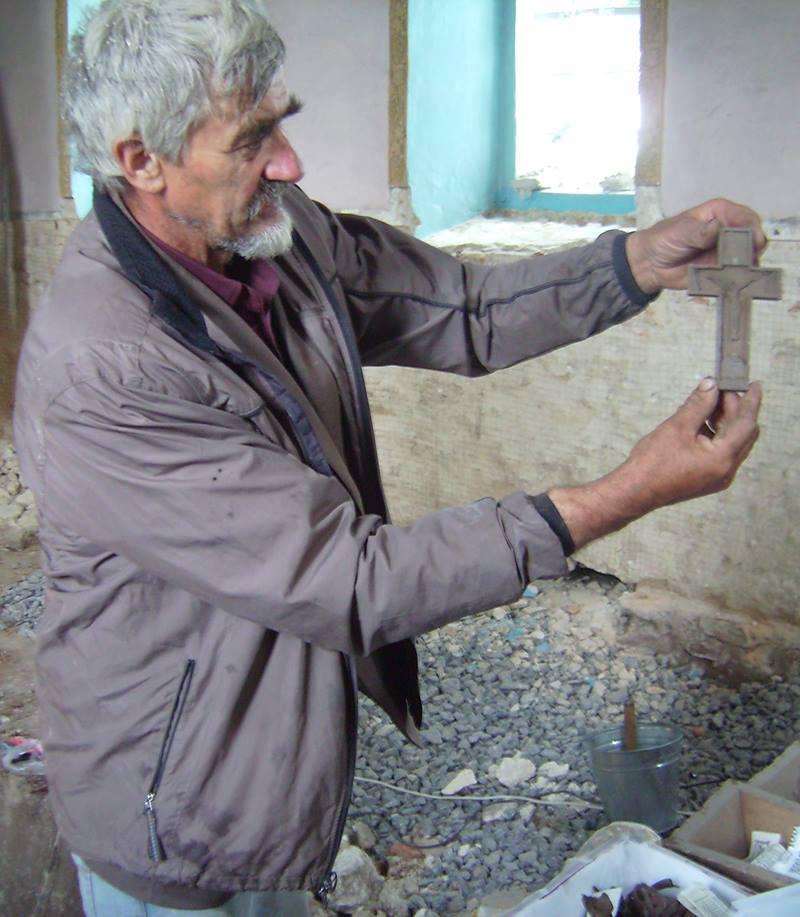 На Козятинщині  знашли пляшку з посланням та склеп з останками тіл (ФОТО) - фото 2