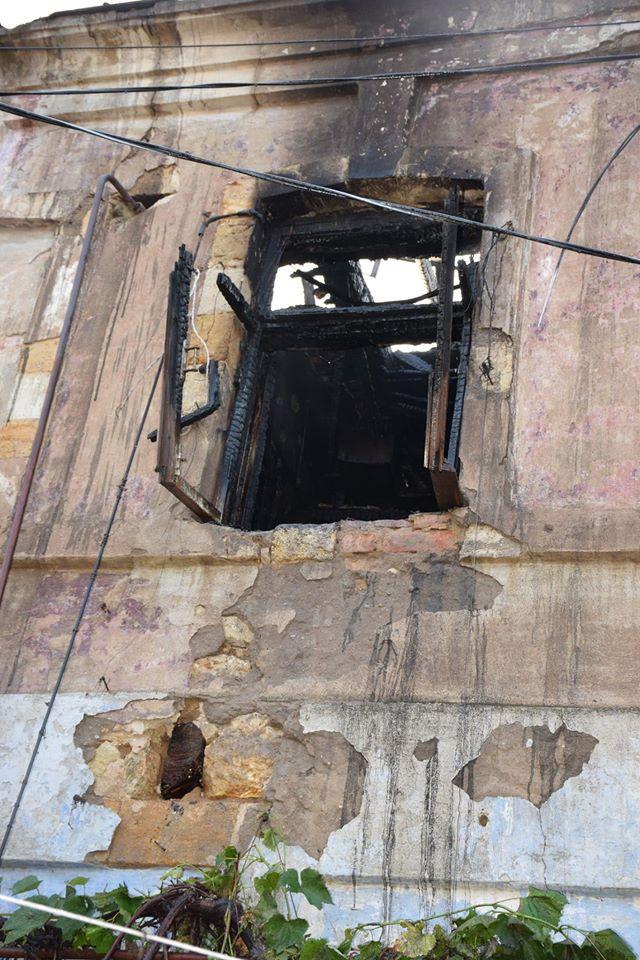У Миколаєві в пожежі у старому будинку загинув 14-річний хлопець