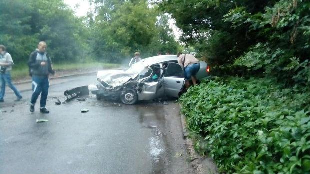 У Харкові маршрутка потрапила в ДТП: загинули дві людини - фото 2