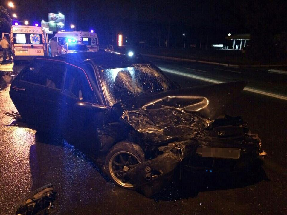 У нічному ДТП у Харкові постраждали три людини  - фото 1