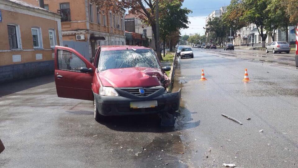 У Харкові зіткнулися авто: постраждали чотири людини  - фото 1