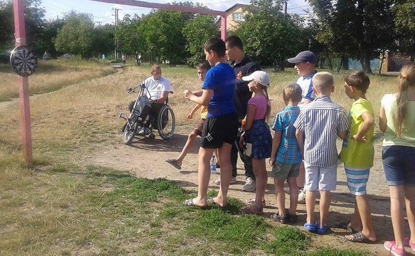 """Вінничан на """"Інклюзивному марафоні"""" навчали допомагати  людям з інвалідністю  - фото 8"""