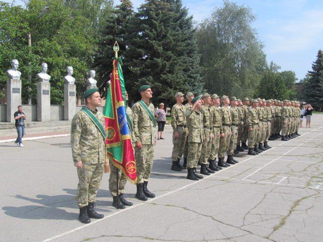 На Харківщині прикордонникам видали автомати  - фото 3