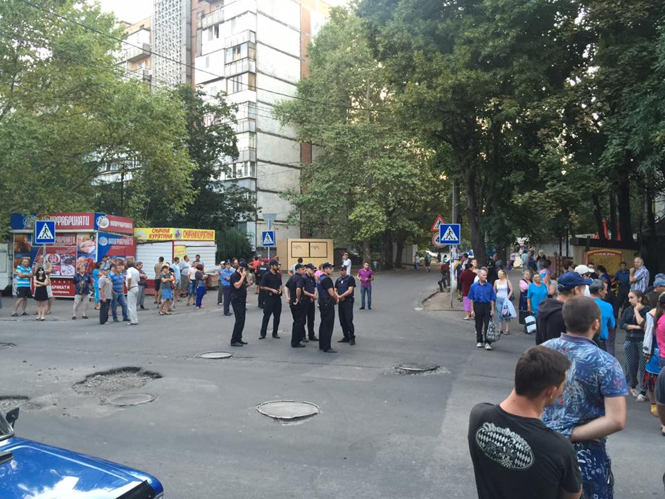 У Миколаєві торгаші влаштували бунт на закритій через чуму свиней ярмарці - фото 3