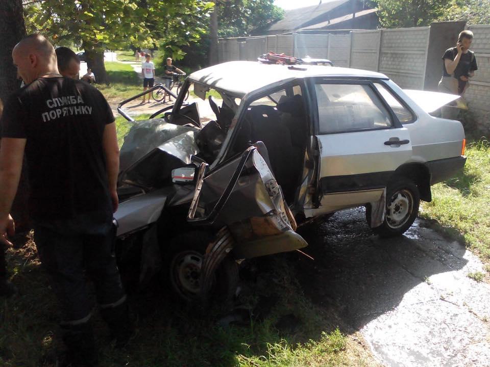 У Харкові п'яний водій вщент розбив автівку - фото 1