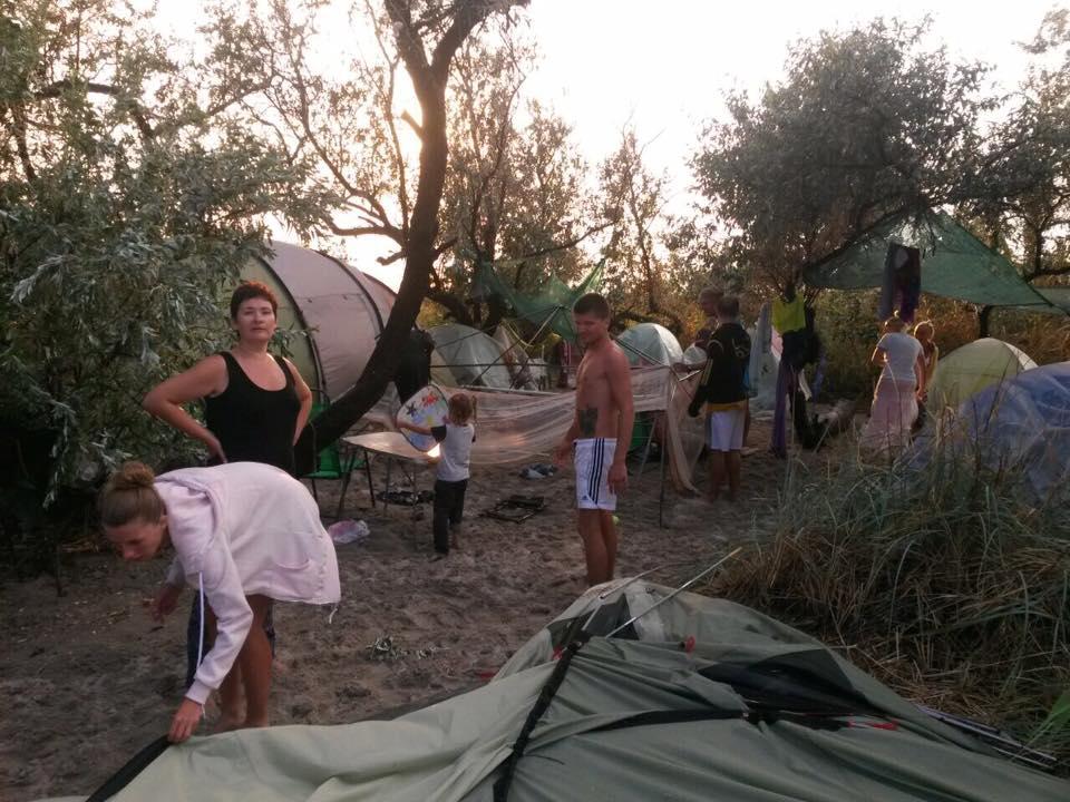 На Кінбурні шторм зніс палатки відпочивальників - фото 2