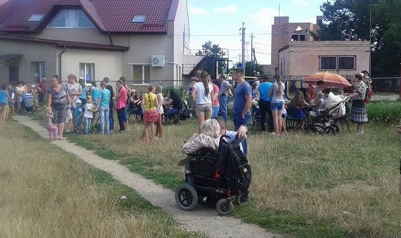 """Вінничан на """"Інклюзивному марафоні"""" навчали допомагати  людям з інвалідністю  - фото 6"""