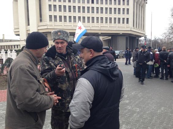 Хроніки окупації Криму: російські війська пішли в наступ - фото 11