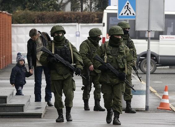 Хроніки окупації Криму: російські війська пішли в наступ - фото 1