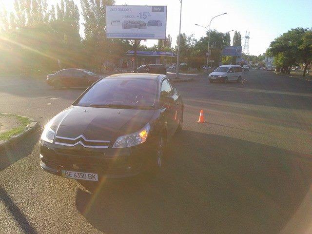 У Миколаєві не поділили дорогу дві іномарки