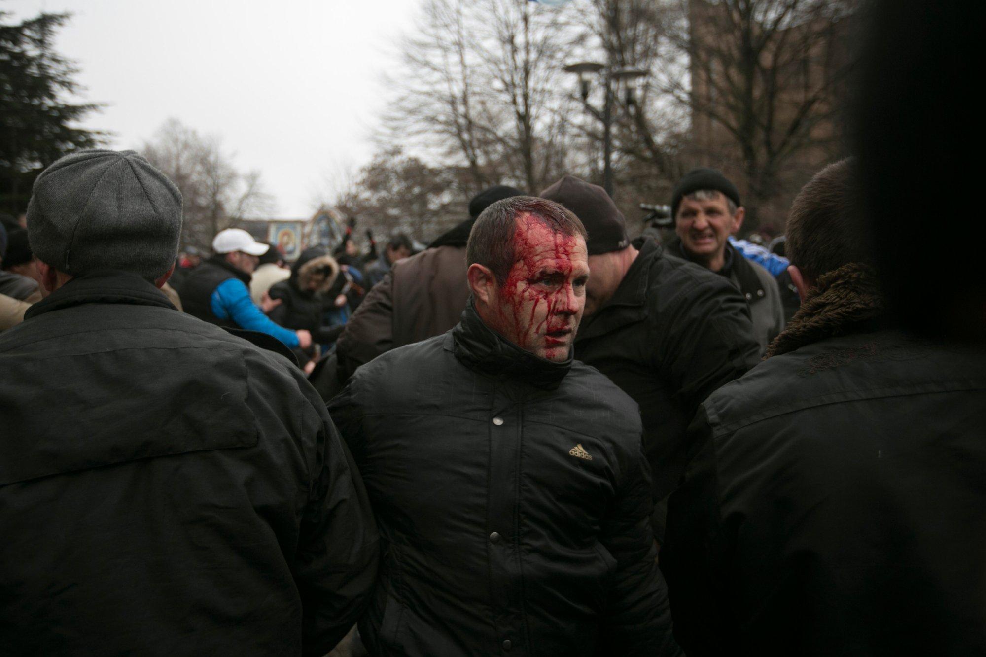Хроніки окупації Криму: мітинг 26 лютого - фото 10