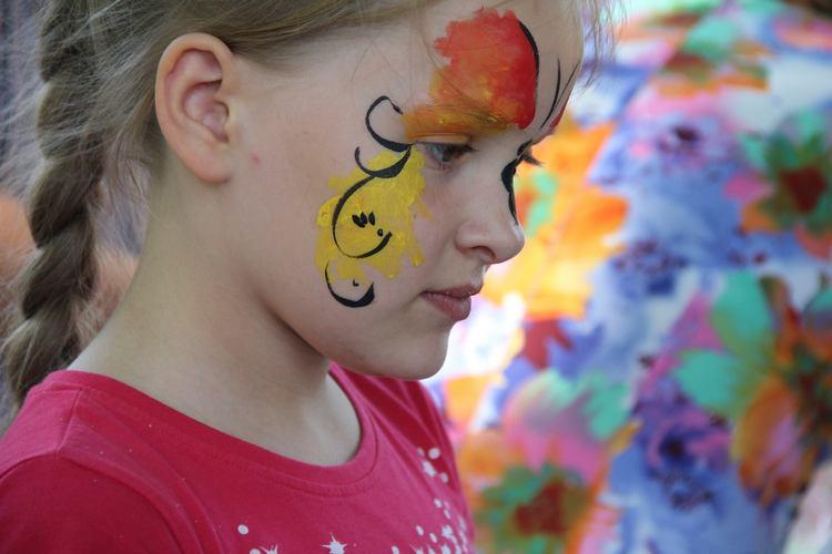 У Вінниці на арт-пікніку займались фейс-артом та кляксографією - фото 3