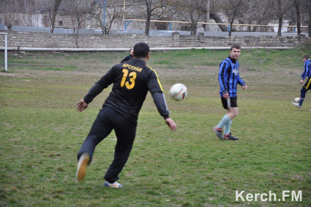 Хроніки окупації Криму: як керченські морпіхи з окупантами у футбол грали - фото 4