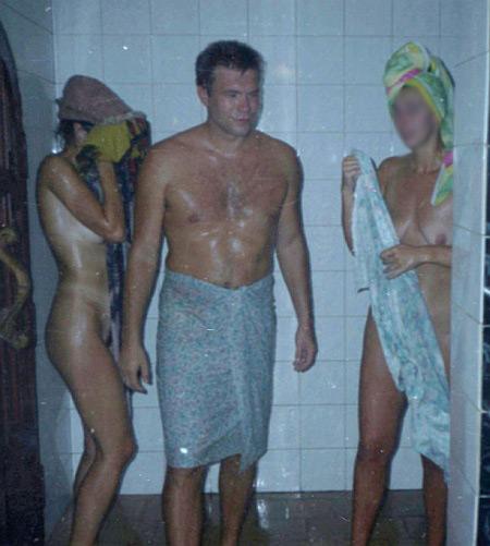 yanukovich-goliy-v-bane