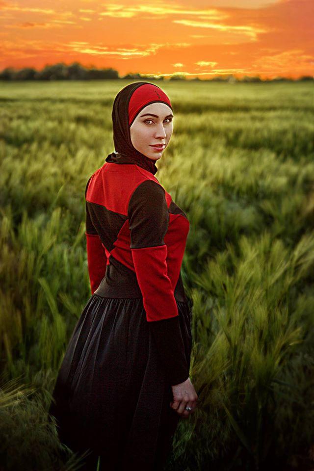 Романтичний захід сонця та зброя: Чеченська снайперка АТО постала у новому образі - фото 3