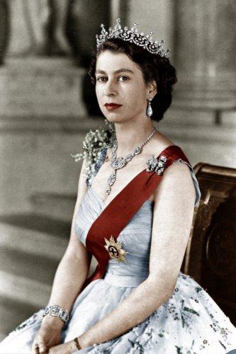Як старіє Єлизавета ІІ: найяскравіші фото від дитинства і до сьогодні  - фото 10