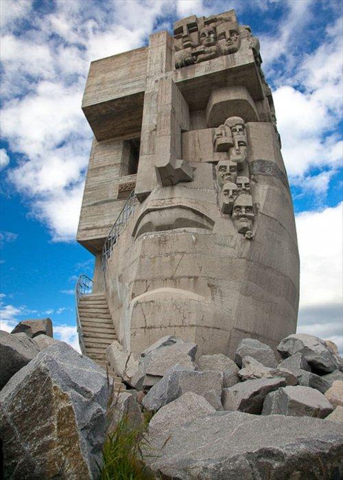 Хто такий Ернст Неізвєстний: найвідоміші скульптури митця - фото 4
