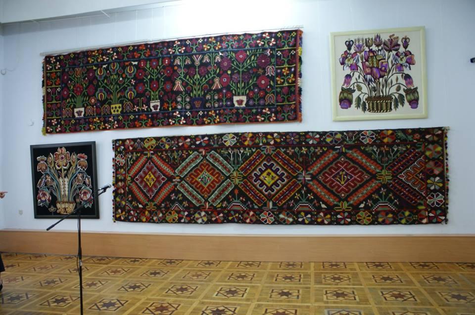 Шедеври ткацького ремесла стали експонатами виставки у Вінниці - фото 1