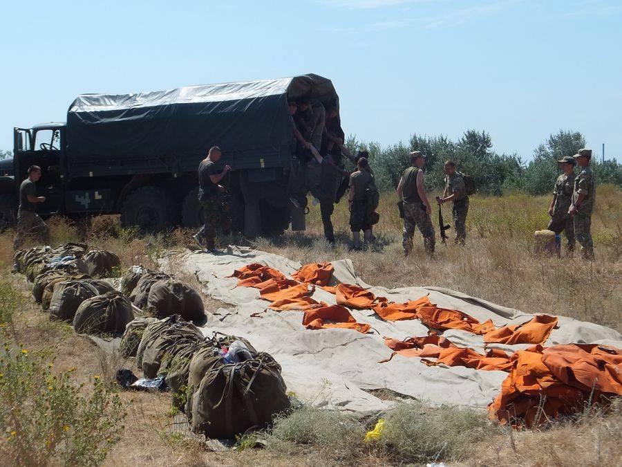 Миколаївська 79-ка десантувалася з парашутами і зброєю у воду