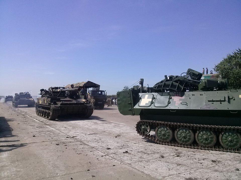 Як Порошенко боєздатність армії піднімав  - фото 13