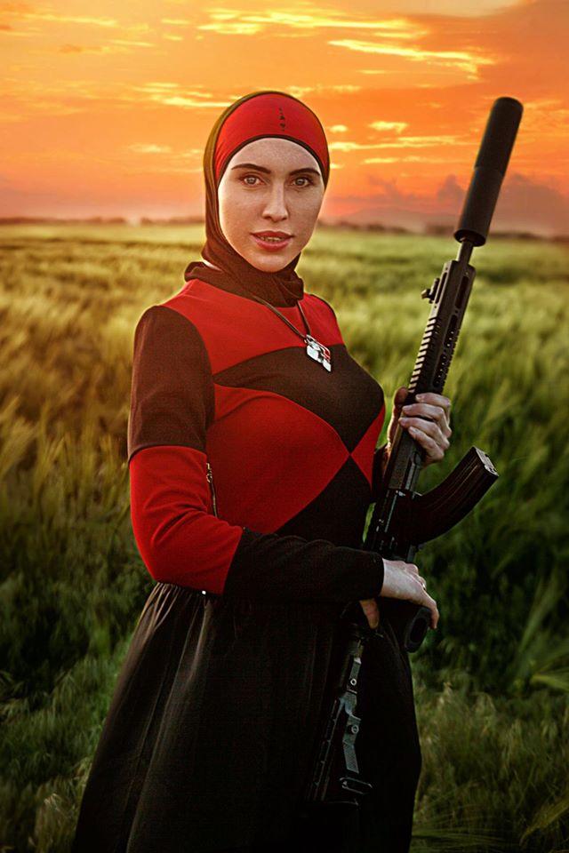 Романтичний захід сонця та зброя: Чеченська снайперка АТО постала у новому образі - фото 2