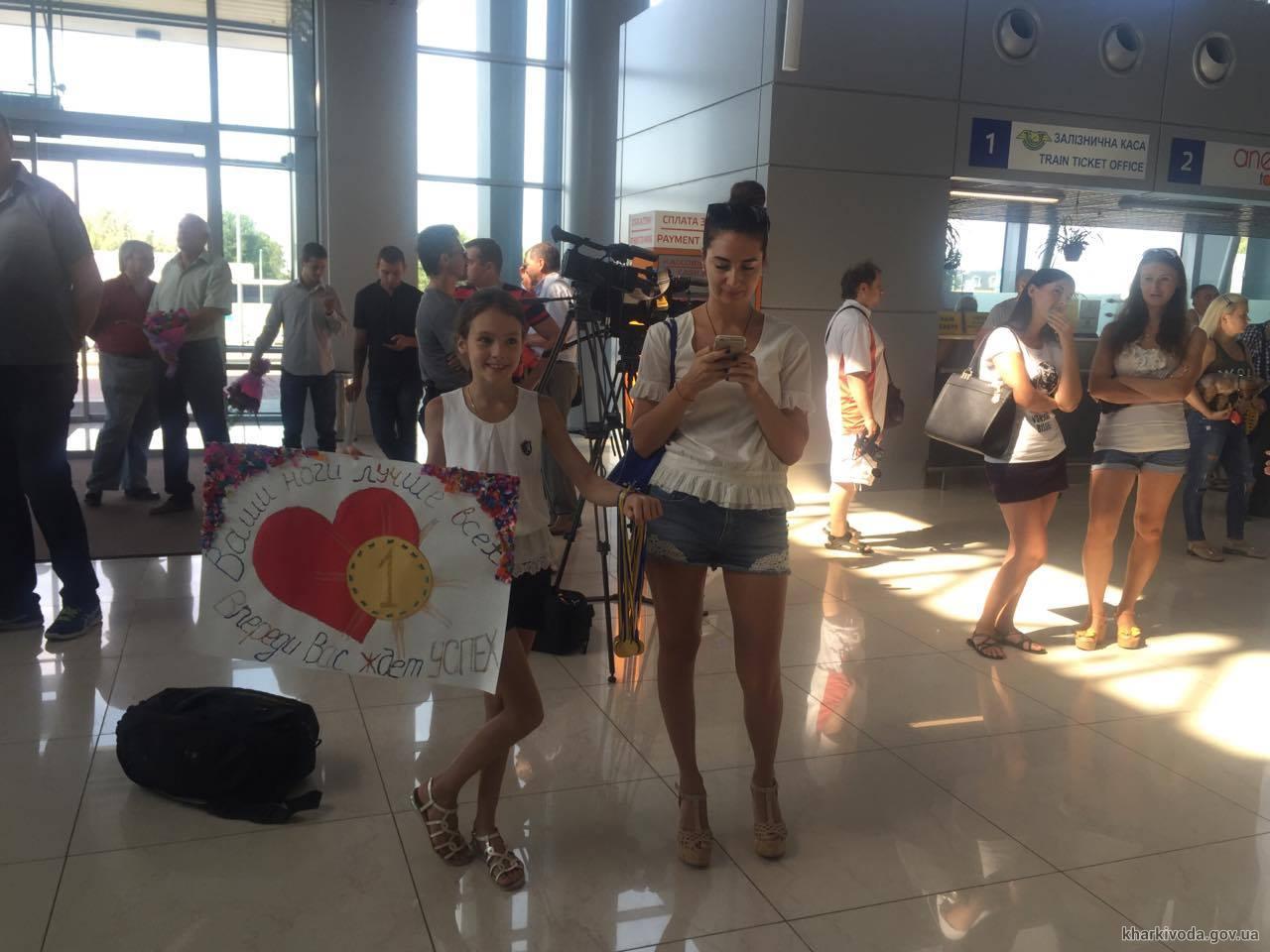 У Харкові зустріли олімпійську збірну України з синхронного плавання - фото 4