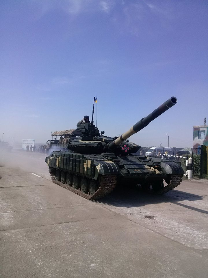Як Порошенко боєздатність армії піднімав  - фото 12