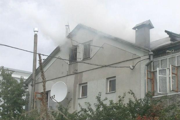 У Харкові спалахнув двоповерховий будинок - фото 2