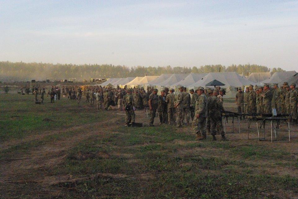 Під Харковом зібрали армійський резерв для військових навчань  - фото 7