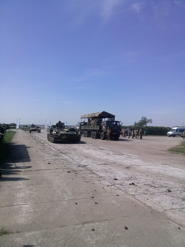 Як Порошенко боєздатність армії піднімав  - фото 7