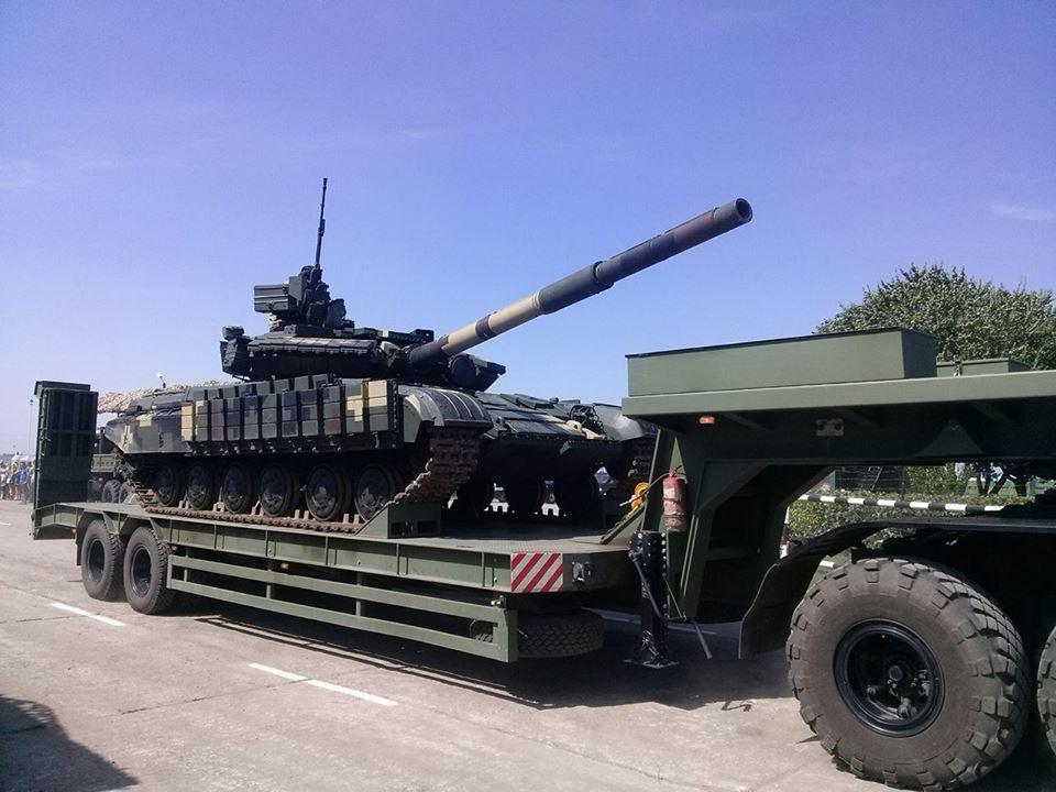Як Порошенко боєздатність армії піднімав  - фото 5