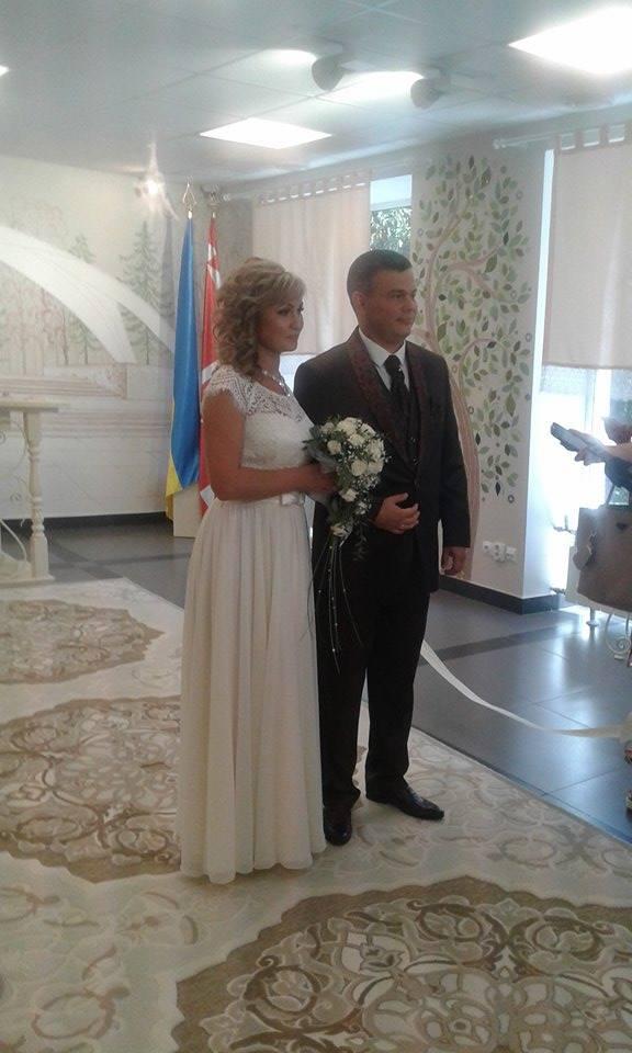 """У Вінниці урочисто зіграли весілля  у """"Прозорому офісі""""  - фото 5"""