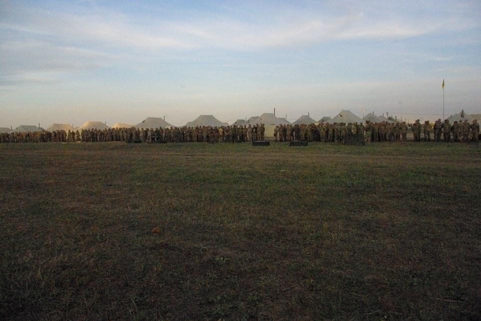 Під Харковом зібрали армійський резерв для військових навчань  - фото 6