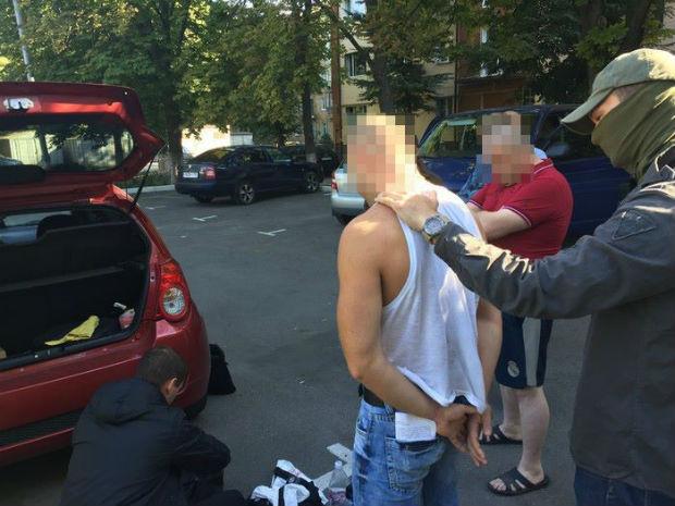 На Харківщині ліквідували мережу з виготовлення та збуту вогнепальної зброї - фото 2