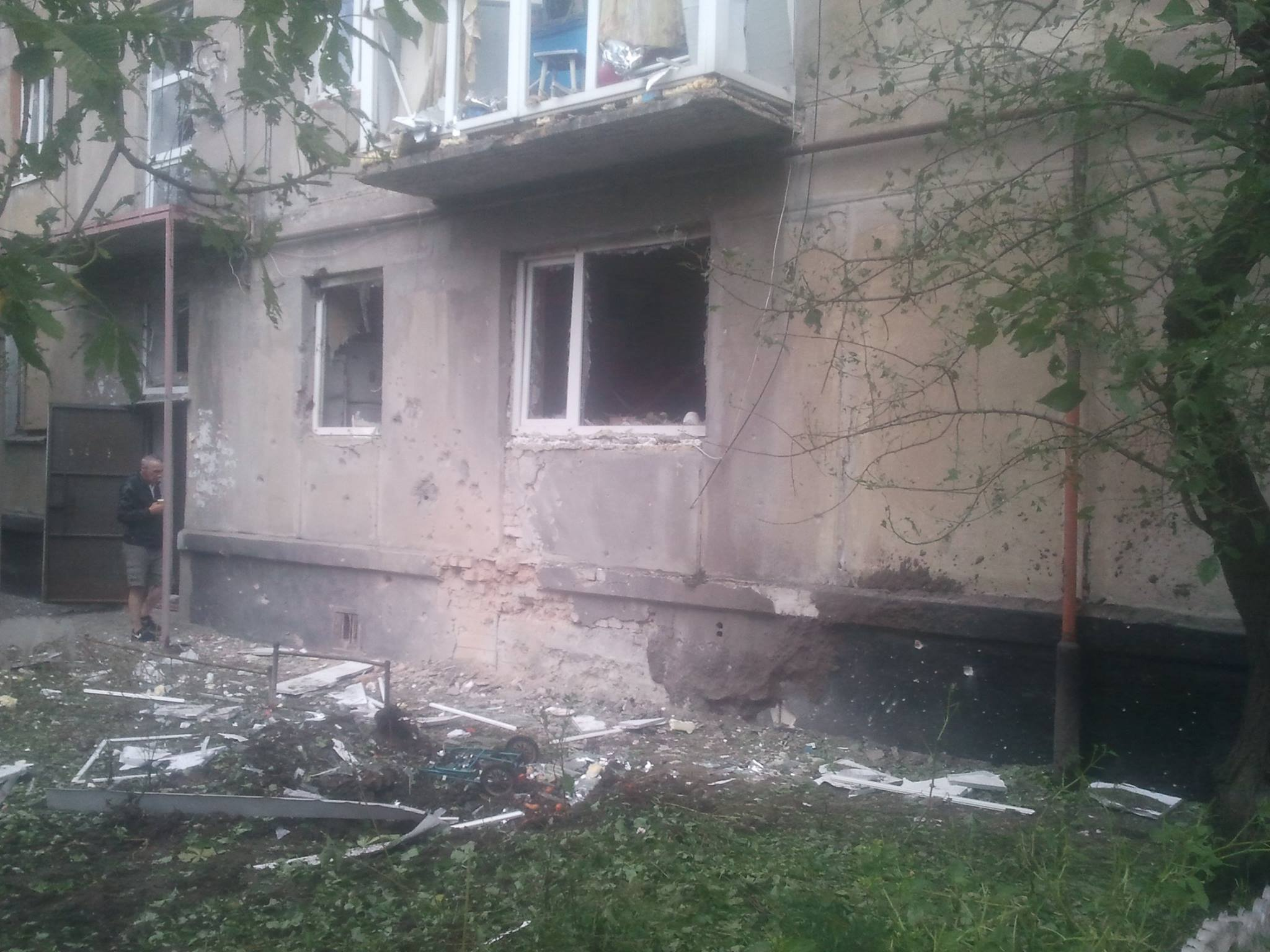 Боевики обстреляли Счастье, ранена медсестра— Луганская ОГА
