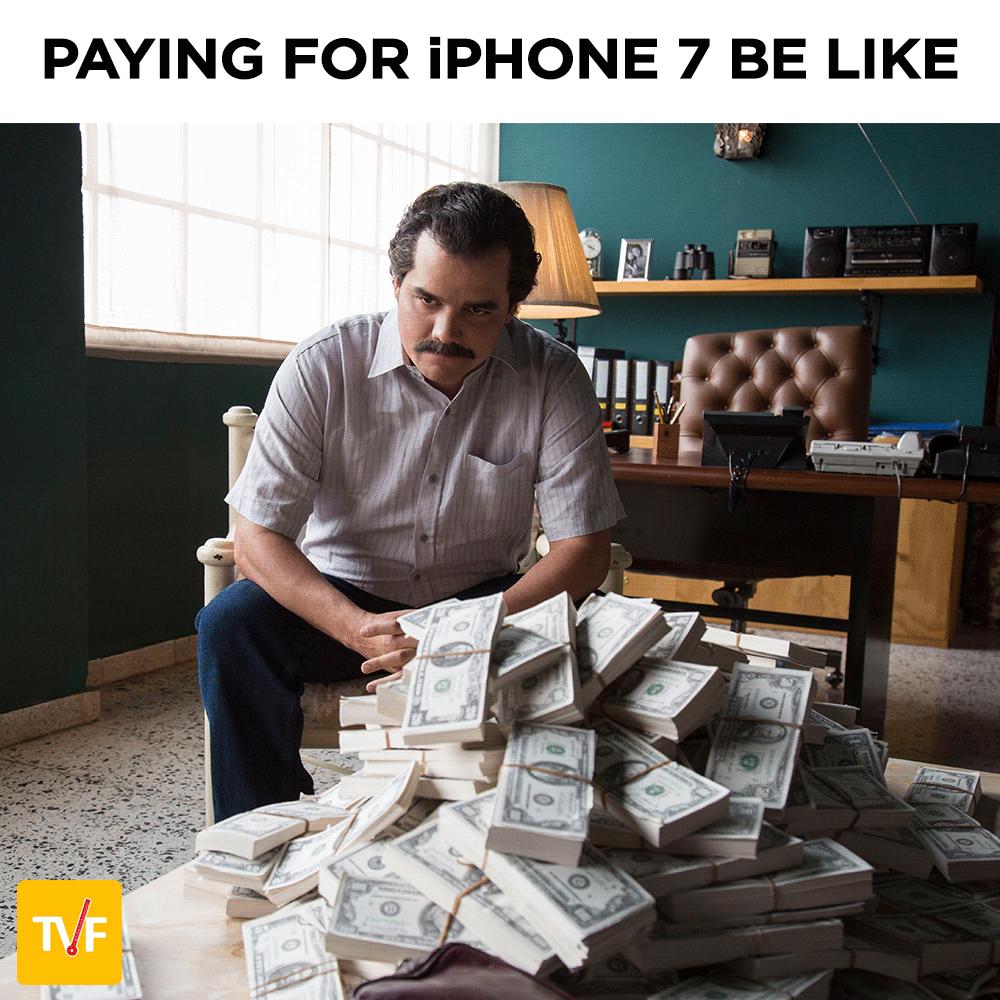"""iPhone7 """"чорний володар"""": як мережі вибухнули через новий айфон - фото 5"""