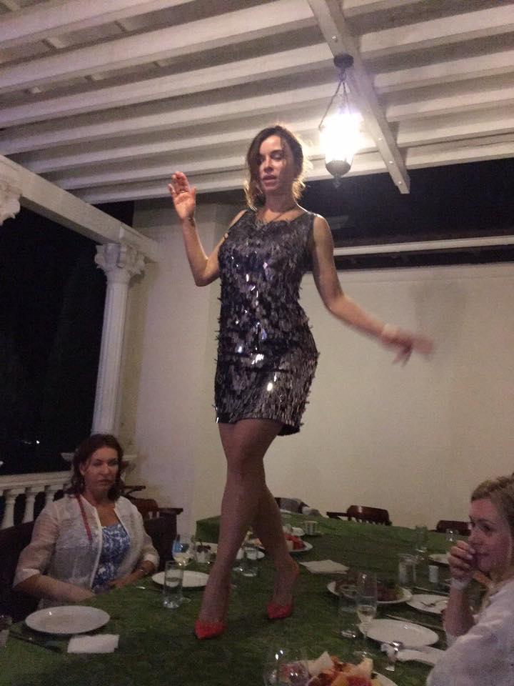 Як дружина Табачника пірнала у басейн на святкуванні свого дня народження - фото 6