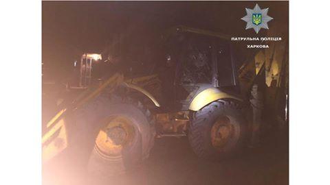 У Харкові п'яний чоловік на тракторі намагався знести будинок дружини - фото 1